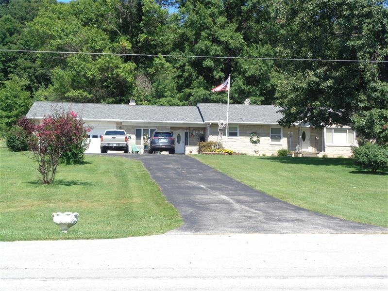 5411 N State Road 545 Road, Dubois, IN 47527