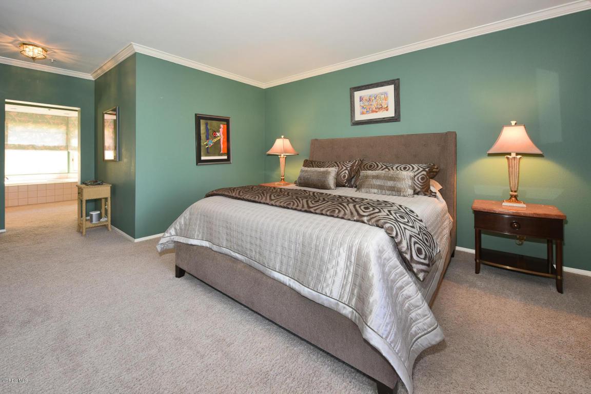 1747 Emerald Isle Way, Oxnard, CA 93035