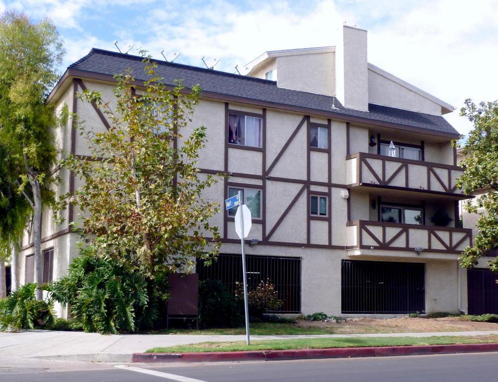 7005 Jordan Avenue, Canoga Park, CA 91303