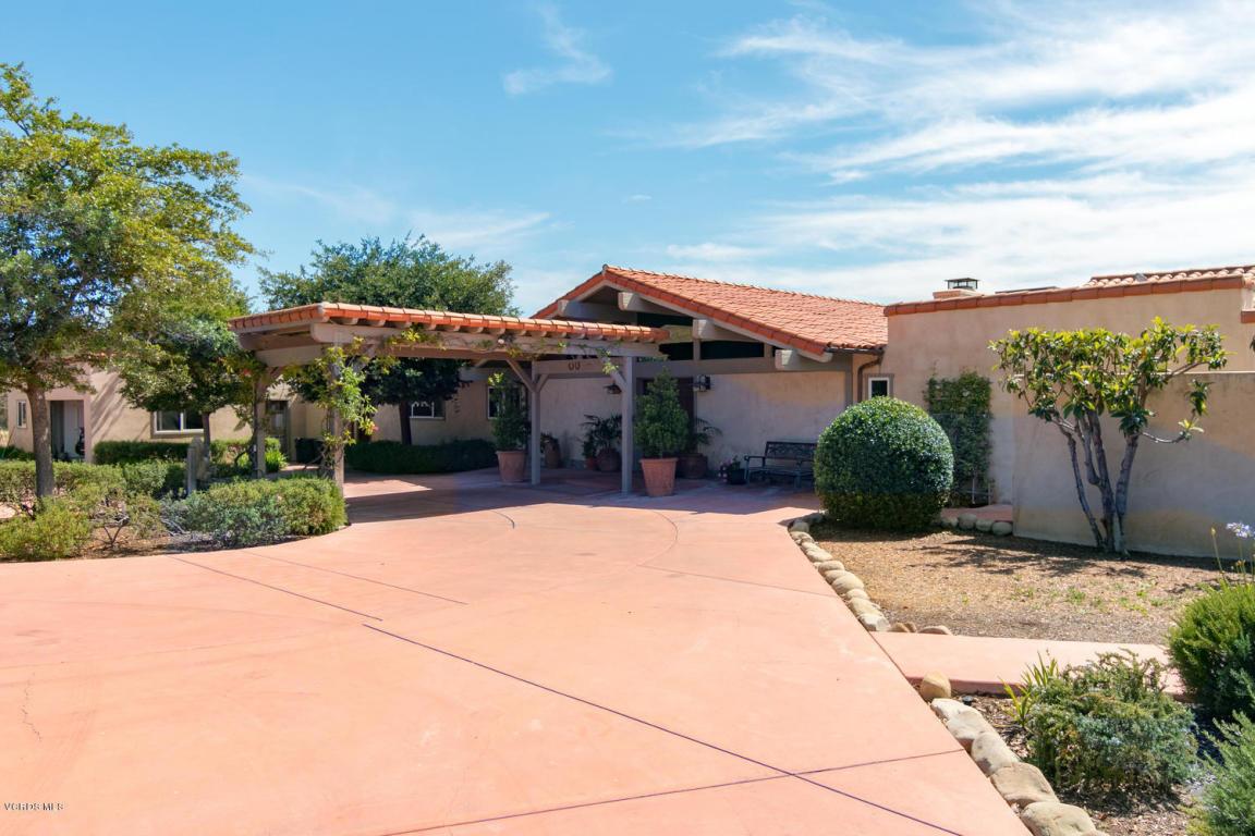 9425 Santa Ana Road, Ventura, CA 93001