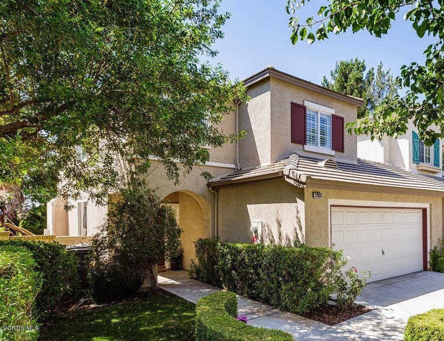 27833 Sweetwater Lane, Valencia, CA 91354