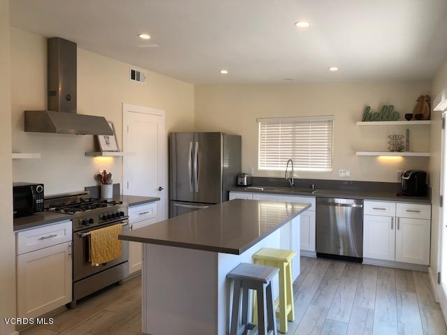 1100 Hingham Lane, Ventura, CA 93001
