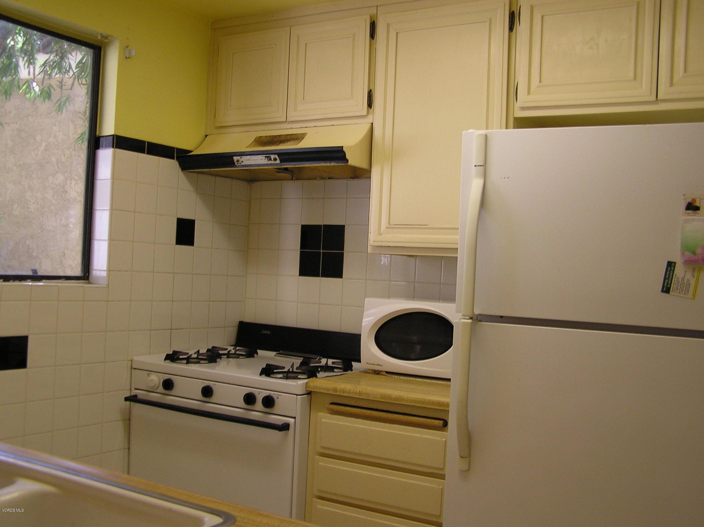 348 W Santa Barbara Street, Santa Paula, CA 93060