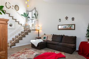 827 Sandberg Lane, Ventura, CA 93003