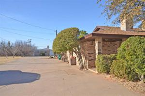 1007 E Olive Street, Holliday, TX 76366