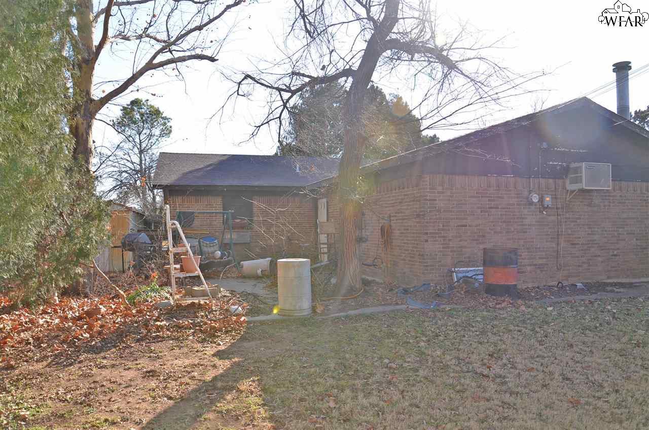 212 Hope Lane, Iowa Park, TX 76367