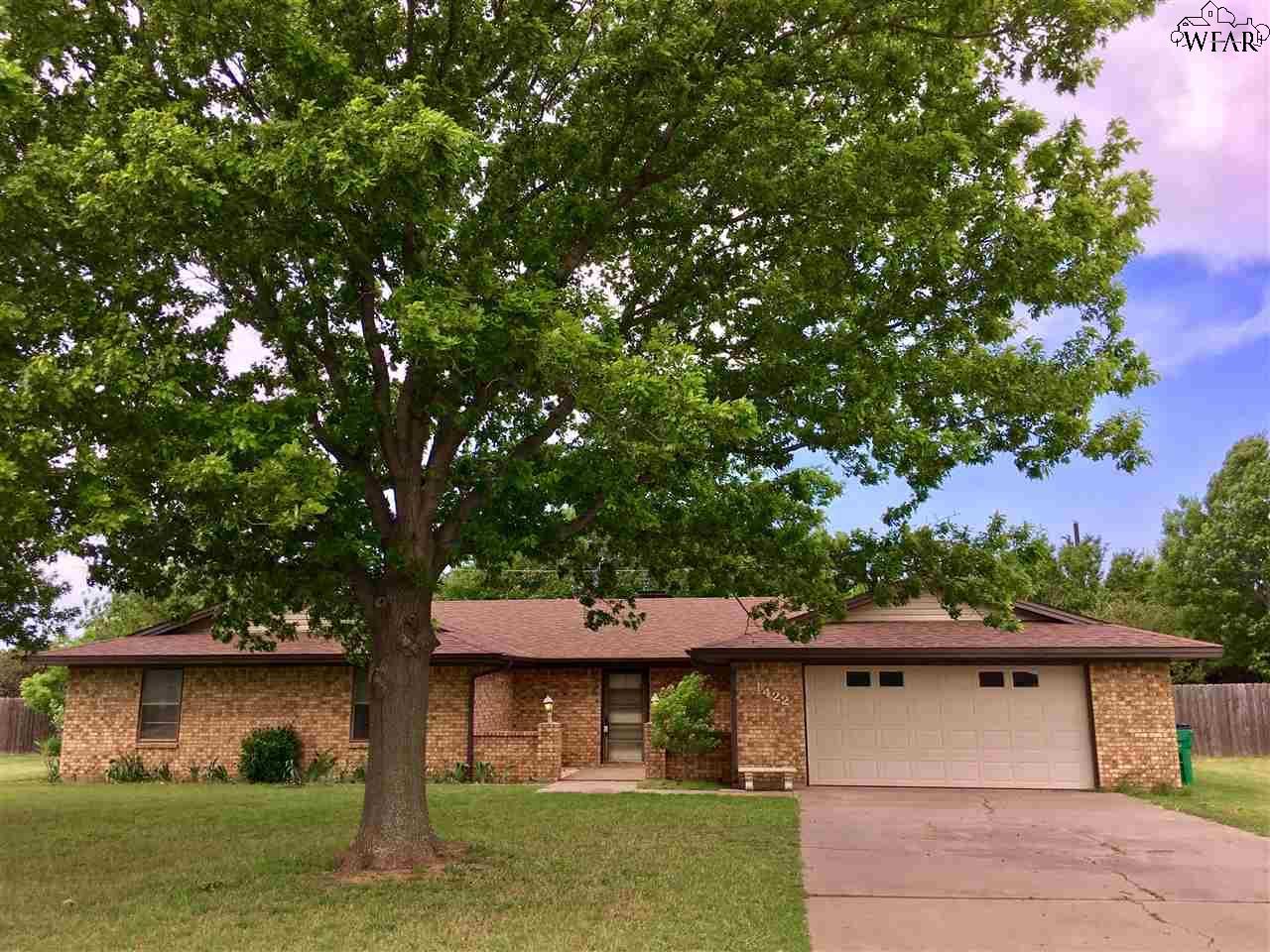 1422 Chaparral Road, Burkburnett, TX 76354