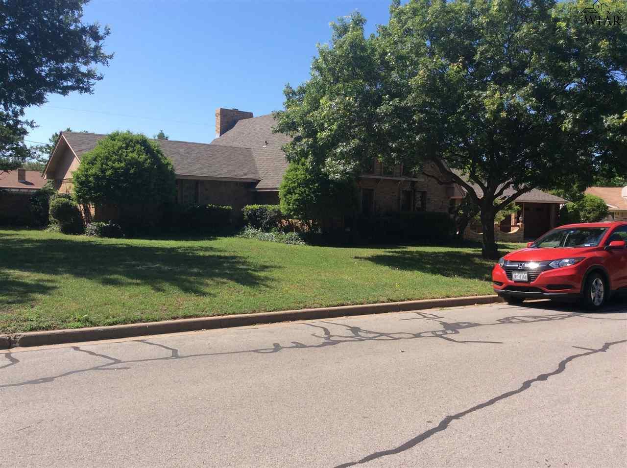 913 Tejas Drive, Burkburnett, TX 76354