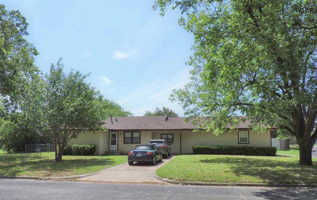 100 Linden Street, Burkburnett, TX 76354