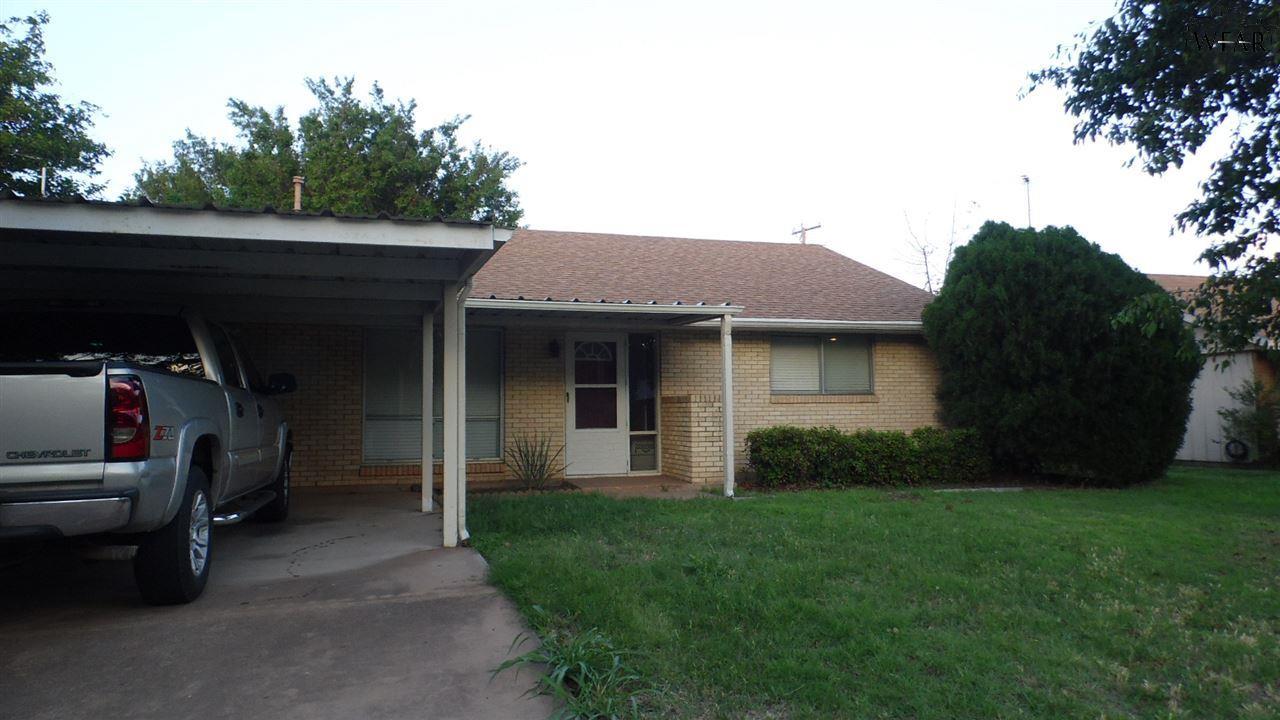 1509 Douglas Drive, Iowa Park, TX 76367
