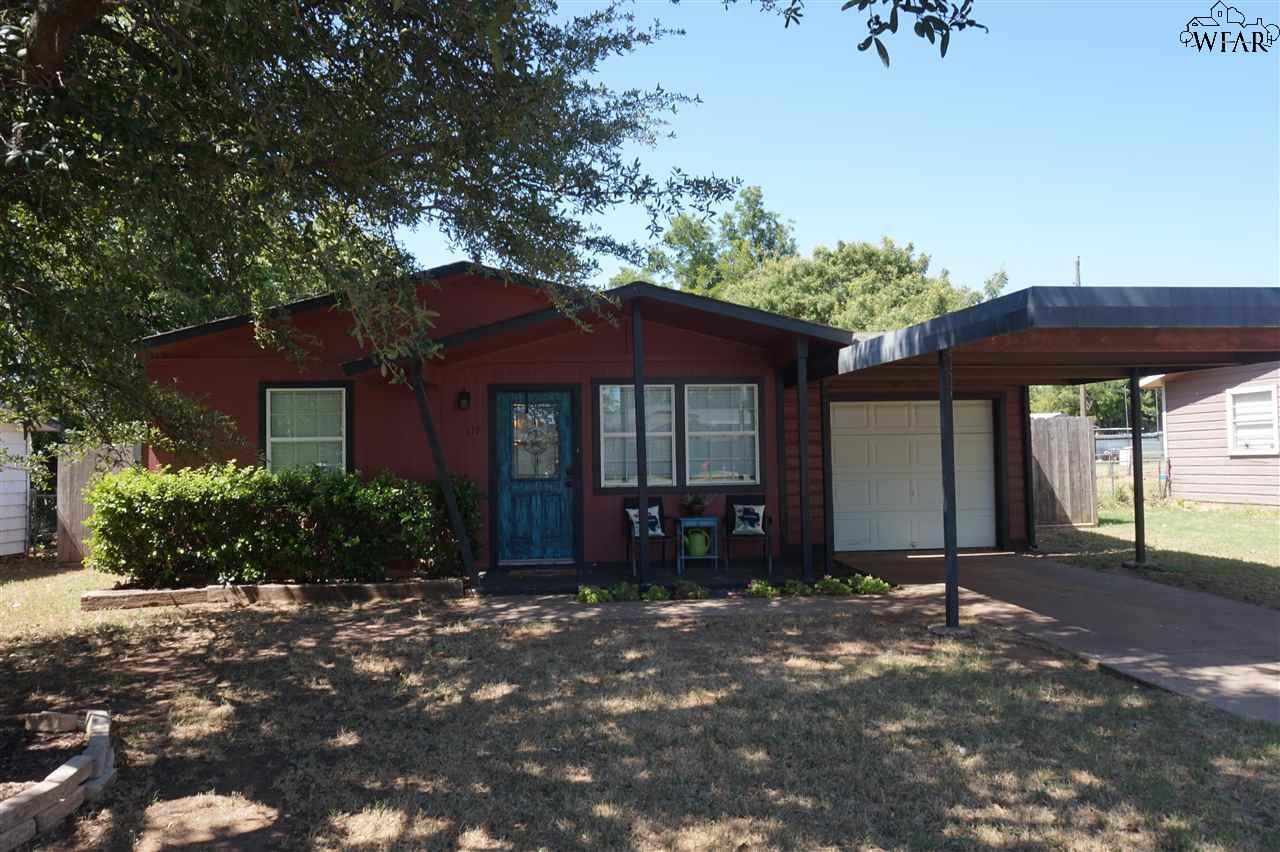 117 James Drive, Iowa Park, TX 76367