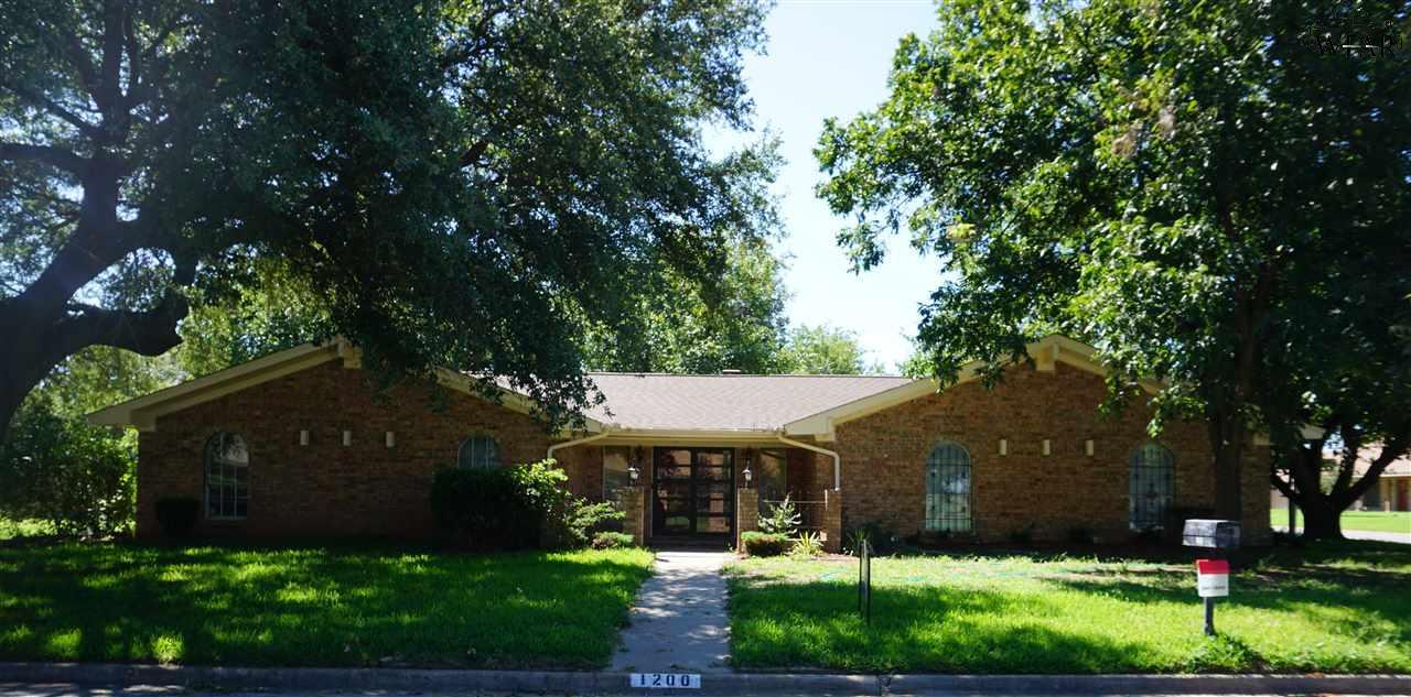 1200 Danberry Street, Burkburnett, TX 76354