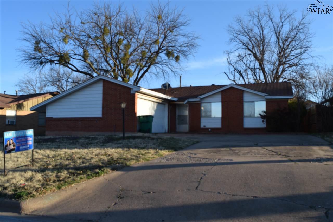 1110 W Cornelia Avenue, Iowa Park, TX 76367