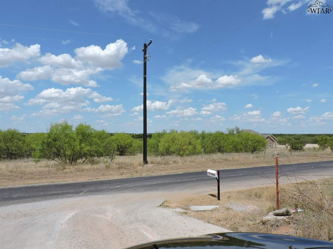 7449 Roller Road, Burkburnett, TX 76354