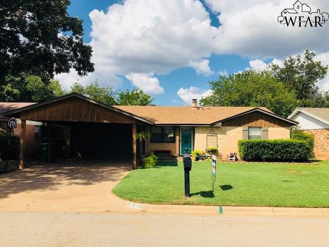 610 W Coleman Avenue, Iowa Park, TX 76367