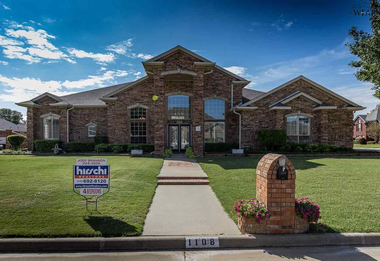1108 Dove Lane, Burkburnett, TX 76354
