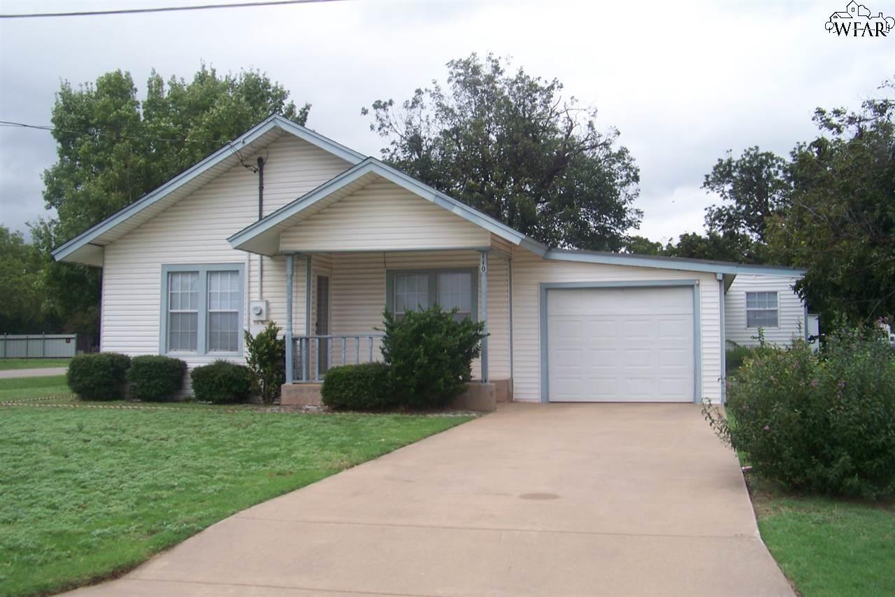 110 W Pecan, Iowa Park, TX 76367