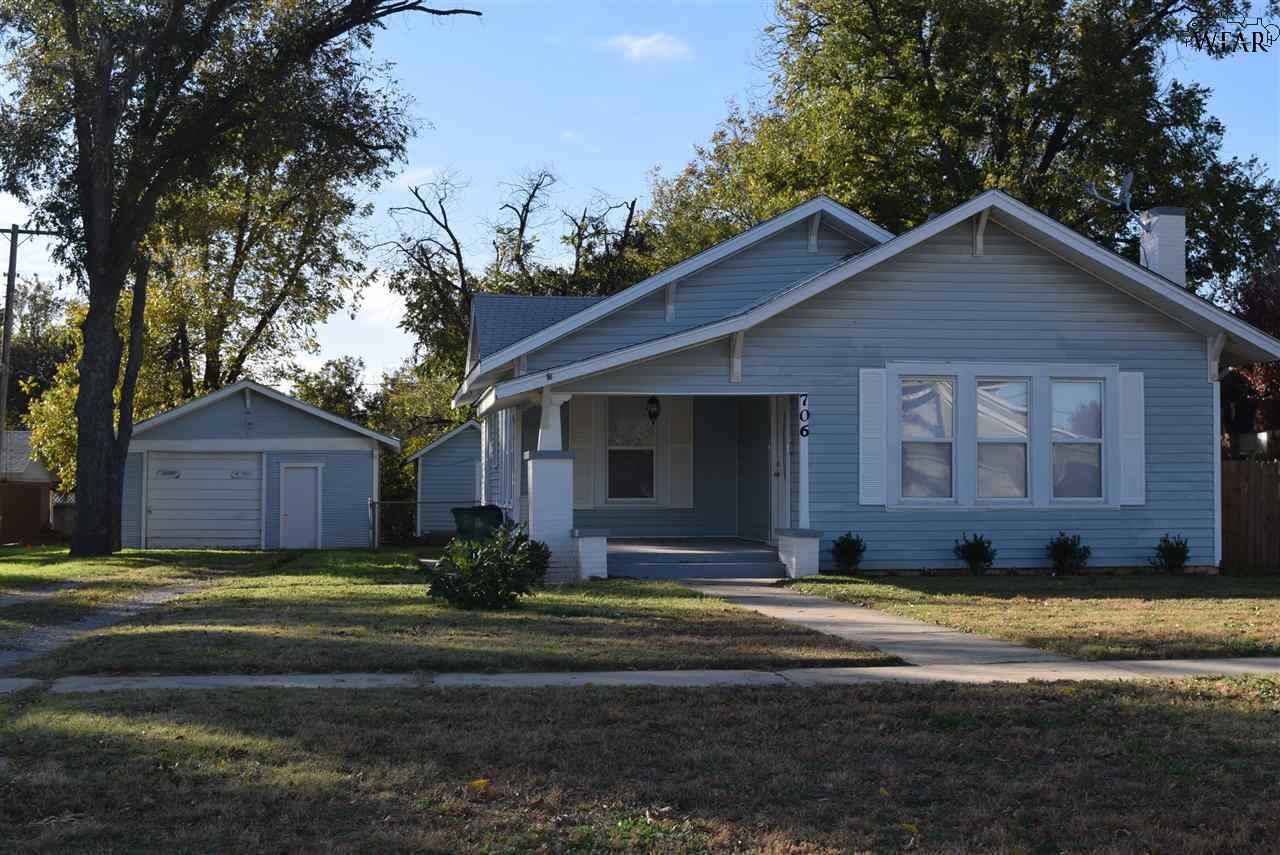 706 N Jackson Avenue, Iowa Park, TX 76367