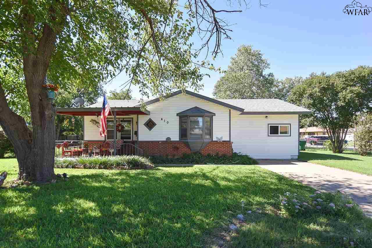 410 Peach Street, Burkburnett, TX 76354
