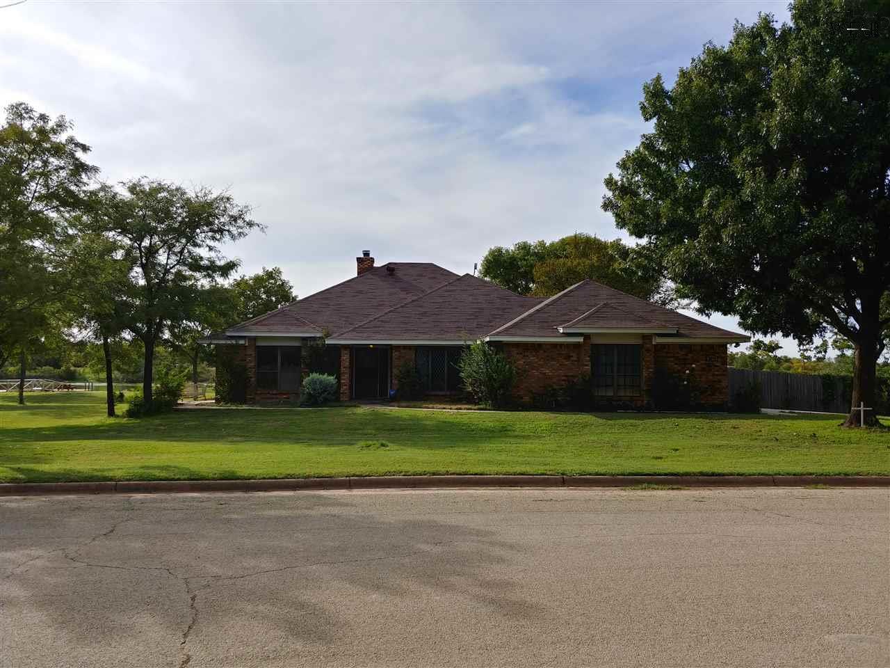 3278 Horseshoe Bend Estates, Iowa Park, TX 76367