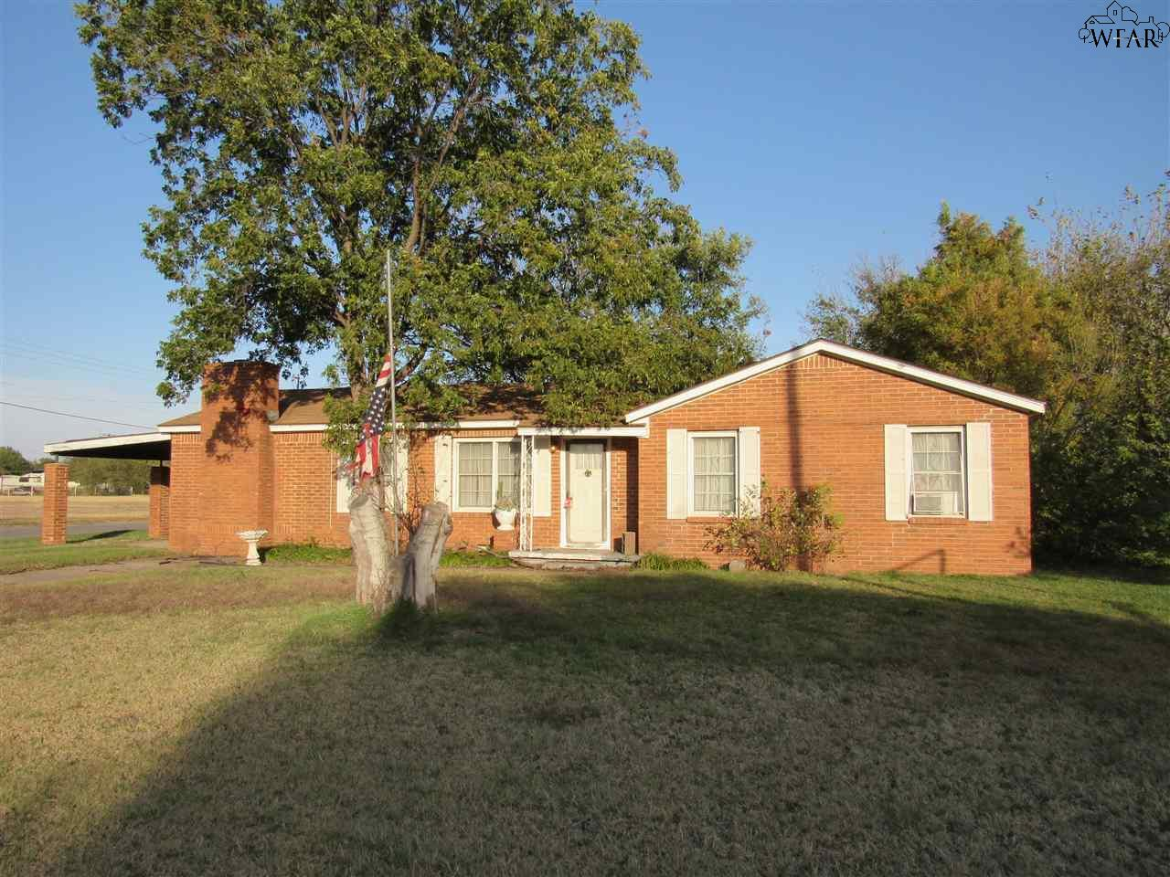 1213 S Fm 368, Iowa Park, TX 76367