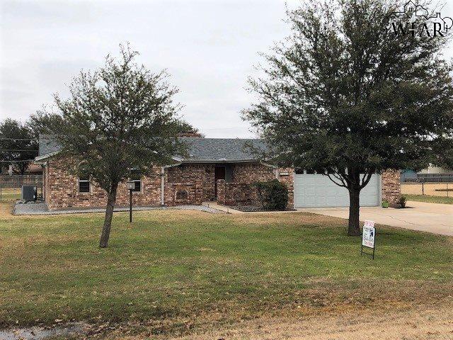 1405 Hiawatha Lane, Burkburnett, TX 76354
