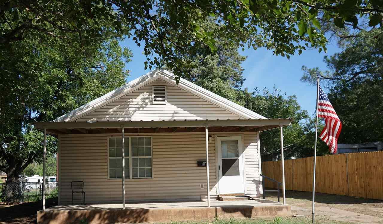 219 E 5th Street, Burkburnett, TX 76354