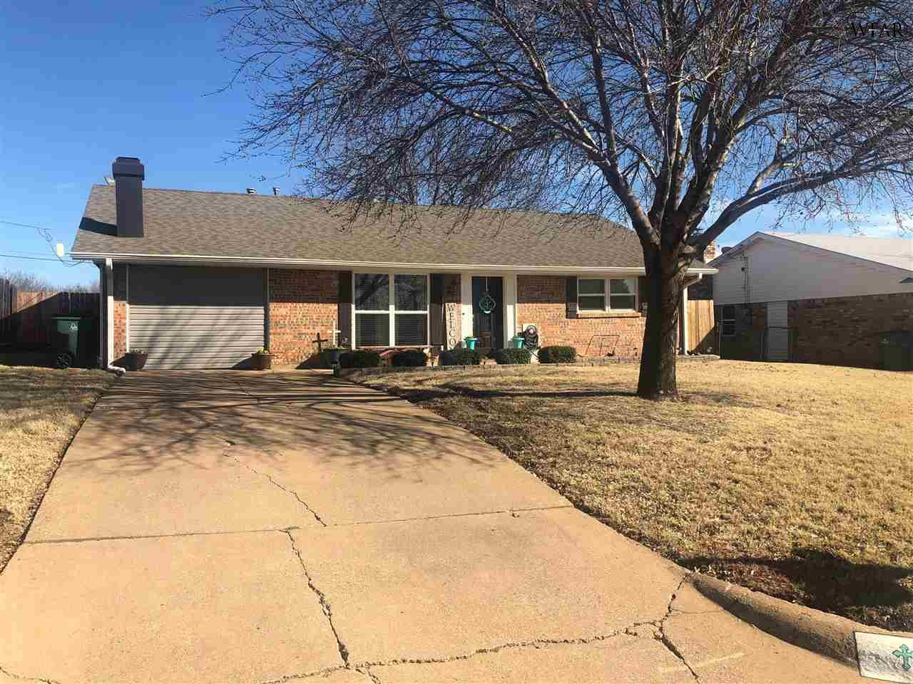 1607 Karen Lane, Iowa Park, TX 76367