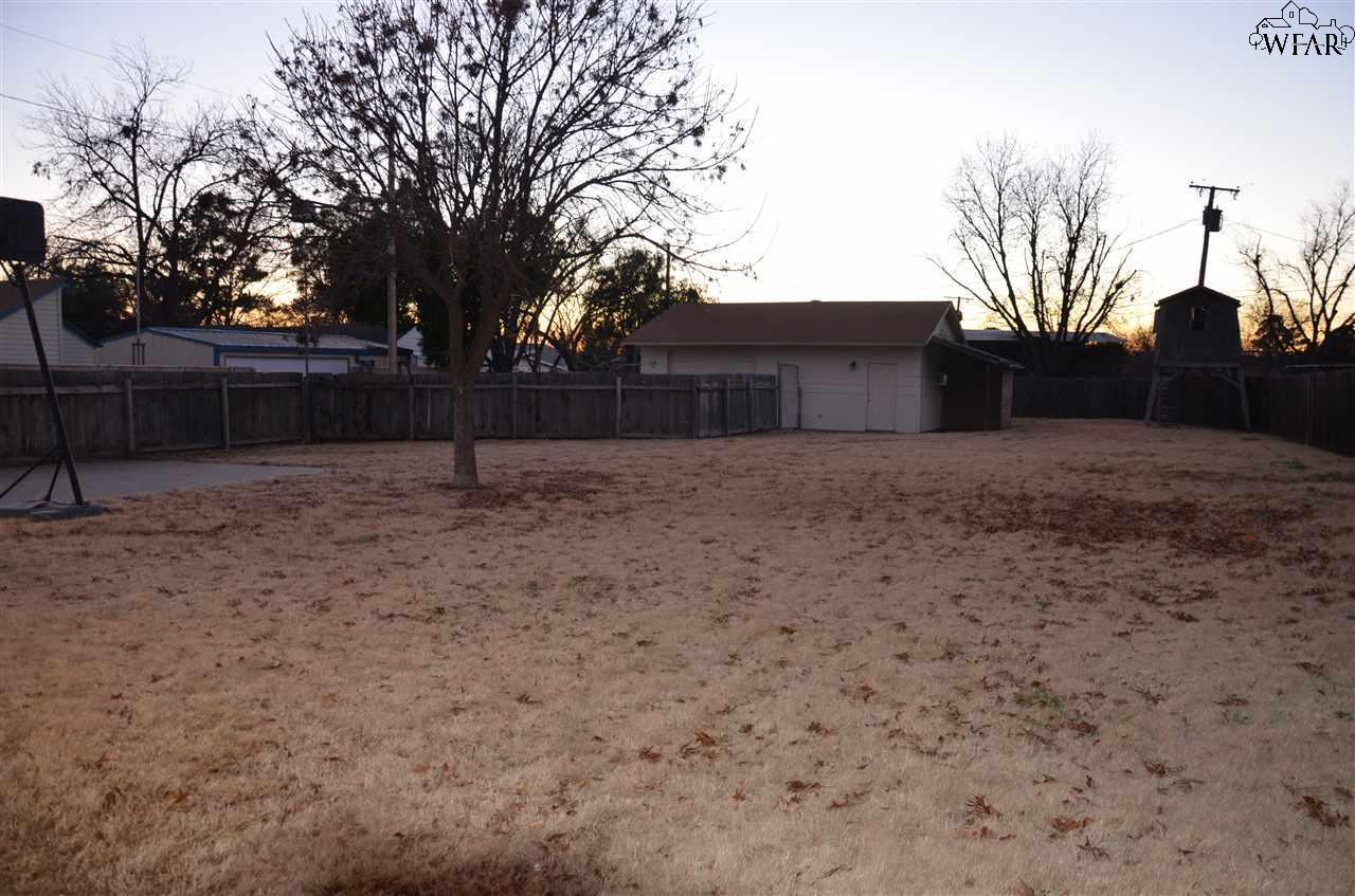 2402 Wenonah Boulevard, Wichita Falls, TX 76309