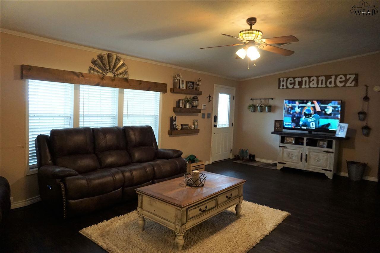 13076 Blaker Road, Iowa Park, TX 76367