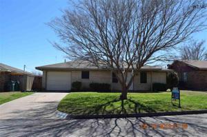 1303 Mockingbird Street, Iowa Park, TX 76367
