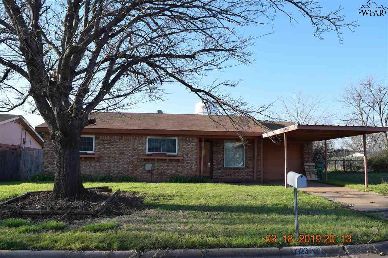 1323 Westridge Drive, Iowa Park, TX 76367