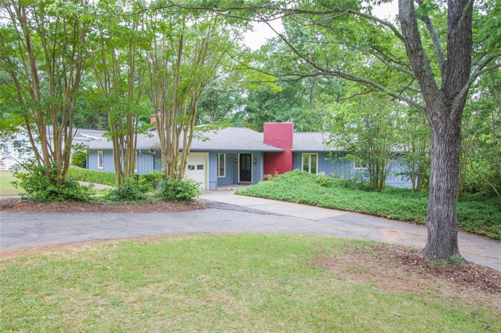 185 Hudgins Lake Road, Townville, SC 29689