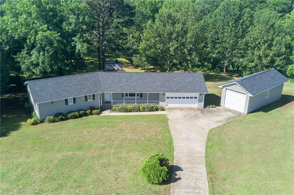 428 Broyles Point Road, Townville, SC 29689